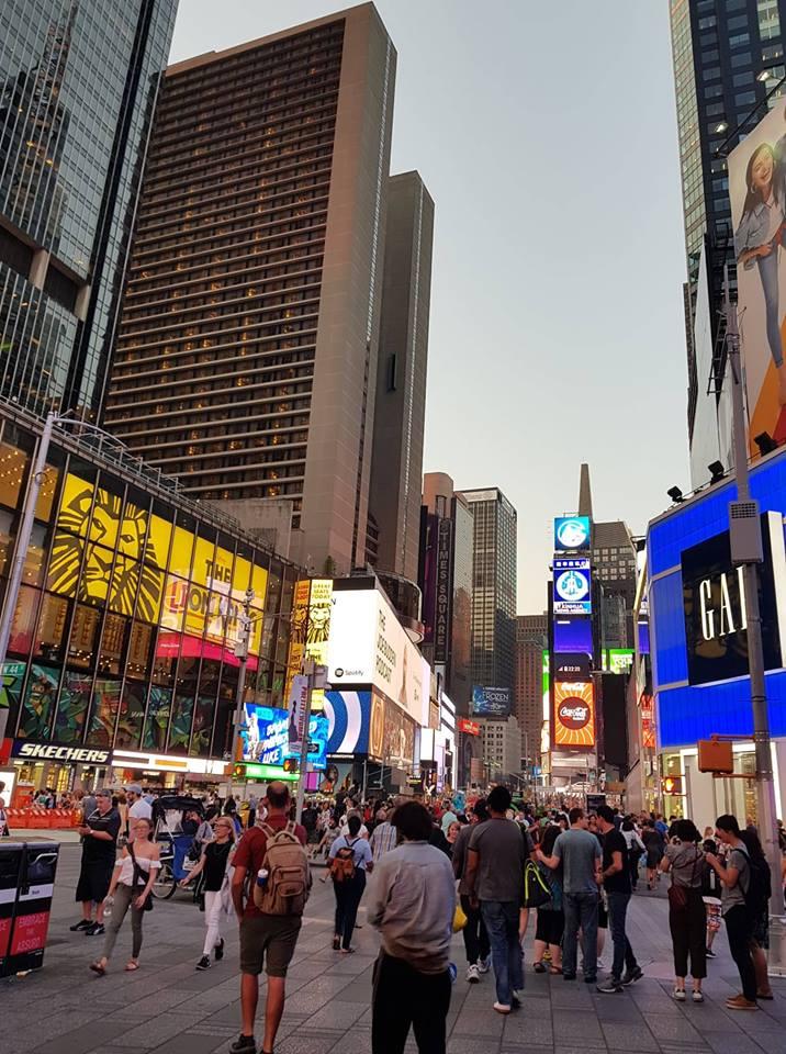 Ispijanje i druženje u New Yorku bestselera